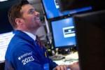 Dow Jones vọt hơn 150 điểm lập kỷ lục mới