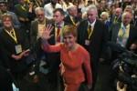 Indépendance de l'Ecosse: Nicola Sturgeon appelle à la
