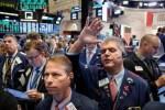 Dow Jones giảm hơn 180 điểm khi hàng rào thuế quan Mỹ - Trung có hiệu lực