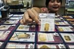 Emas Kembali Naik karena Dolar AS Merosot