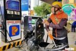 Tự đổ xăng, thanh toán không dùng tiền mặt ở 11 cửa hàng xăng dầu tại TP.HCM