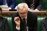 Brexit: le gouvernement présente un compromis pour éviter un échec au parlement