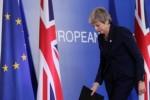 'May hangt couppoging boven het hoofd'