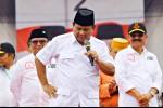 Sebentar Saja Mbonceng Ojol, Prabowo Sudah Kepanasan