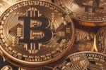 Bitcoin valoriza 6% e passa dos R$ 56.000 nesta terça-feira