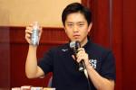 コロナにうがい薬呼びかけで波紋 大阪府知事が釈明「拙速」批判も