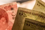 Lira Takes a Hit as Dollar Strength Catches Up With Turkey Bulls