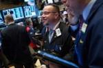 Xóa sạch đà giảm hơn 500 điểm, Dow Jones lội ngược dòng đầy ấn tượng