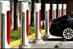 Tesla Berencana Rakit Mobil di Shanghai