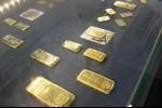 Emas Berbalik Naik Setelah Dolar AS Mundur