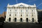 Borsa Milano rallenta (+0,4%) con banche