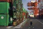 Japan's Exports Fall Again Amid U.S. Pressure in Trade Talks