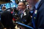 S&P 500 lên kỷ lục mới khi bước vào tuần lễ bận rộn với nhiều dữ liệu quan trọng