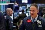 S&P 500 tiến sát tới mức kỷ lục
