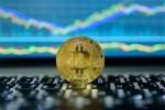 Hợp đồng tương lai vừa ra đời, Bitcoin có lúc tăng hơn 1,000 USD