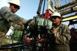 Điều gì có thể giúp giá dầu đột phá ngưỡng 50 USD?