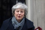 Premier May overleeft motie van wantrouwen
