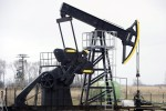 Petrolio: in rialzo a 65 dollari