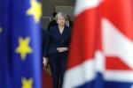 Brexit: May convoque une réunion de