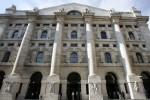 Borsa: Milano in rialzo, male Fca e Tim