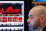 Hang Seng giảm mạnh chờ tin áp thuế từ Mỹ và Trung Quốc