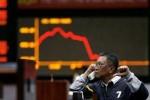 Hang Seng giảm gần 450 điểm sau khi vòng áp thuế mới có hiệu lực
