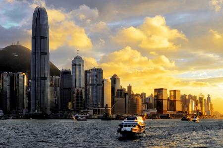 港股收盘:恒指收复25000点 好未来回应香港二次上市