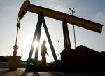 Oil Extends Gains After Crude Inventories Drop