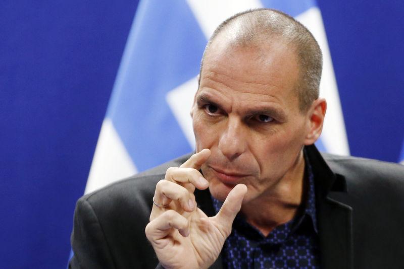 Greece defies creditors, seeking credit but no bailout