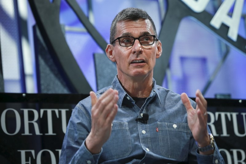 © Reuters. Chip Bergh, President and CEO of Levi Strauss, participates in a panel discussion at the 2015 Fortune Global Forum in San Francisco