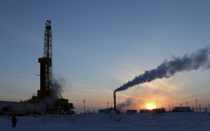 © Reuters. Буровая установка на Ванкорском месторождении Роснефти