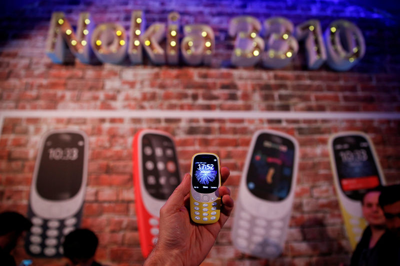 © Reuters. FILE PHOTO: Nokia 3310 device is displayed after its presentation ceremony at Mobile World Congress in Barcelona