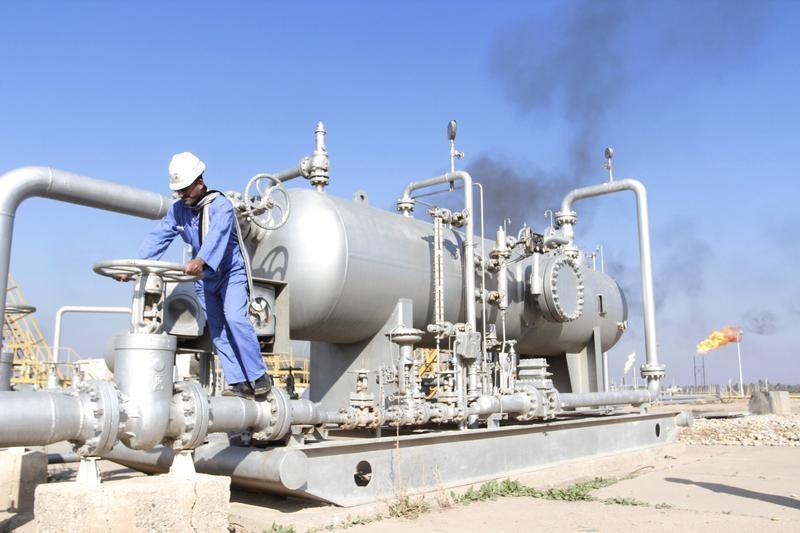 """سفير: وفد مصري يزور العراق """"قريبا"""" لتوقيع عقد استيراد النفط مع سومو"""