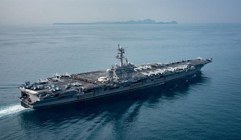 Porta-aviões dos EUA segue para águas coreanas; China pede cautela