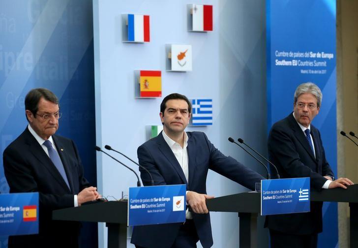 Grecia creditori pronti a discutere nuove opzioni per for Opzioni di raccordo economici