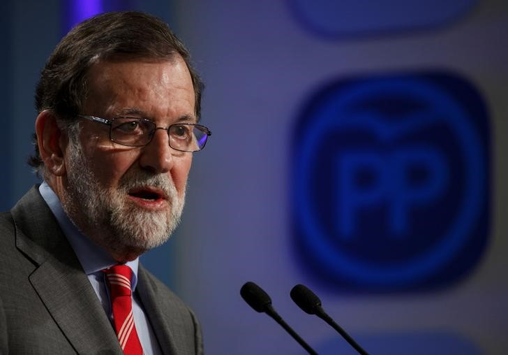 © Reuters. Rajoy descarta que el triunfo de Sánchez en el PSOE lleve a adelantar elecciones