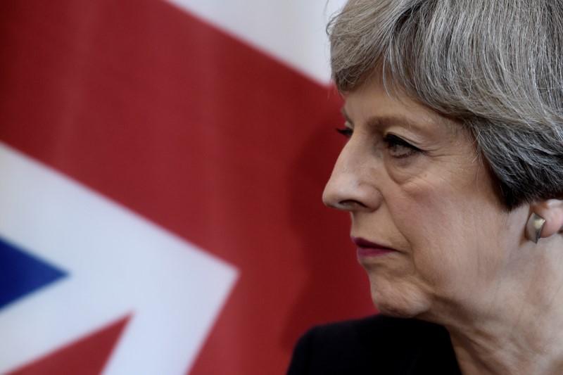 La ventaja de May en las encuestas se reduce tras el ataque en Manchester