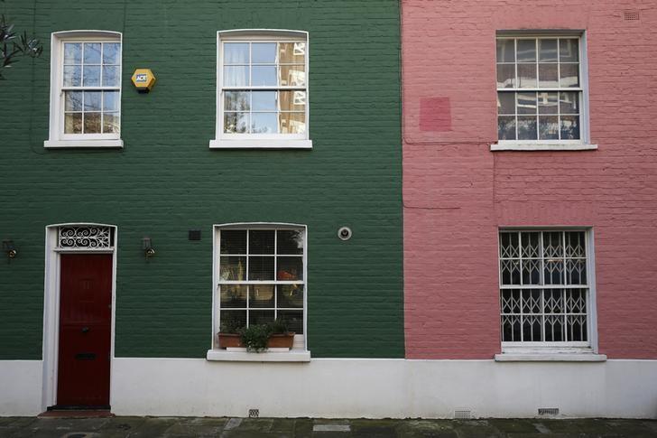 Studie - Hauspreise in Großbritannien fallen dritten Monat in Folge