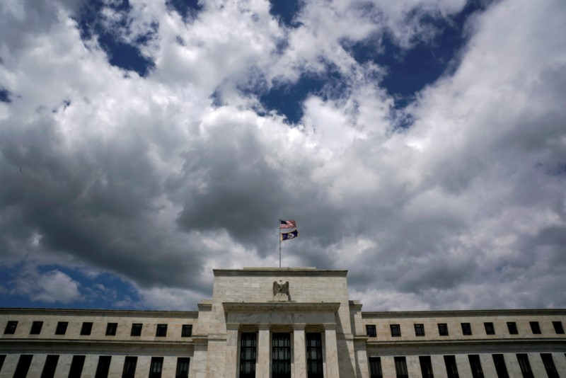 © Reuters. Clouds over the Federal Reserve in Washington