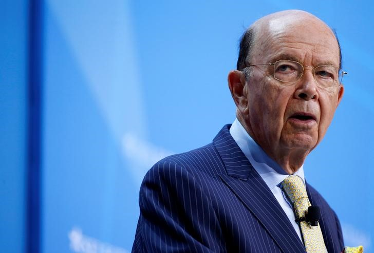 © Reuters. U.S. Secretary of Commerce Wilbur Ross speaks at 2017 SelectUSA Investment Summit in Oxon Hill, Maryland