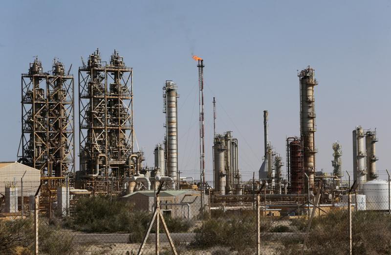 © Reuters. مسؤول: إنتاج ليبيا من النفط 1.032 مليون ب/ي