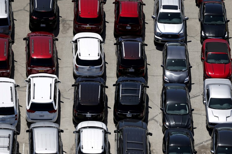 U.S. July auto sales seen down 5 percent: J.D Power and LMC