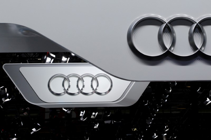 © Reuters. FILE PHOTO: The logo of Audi is pictured at the Auto China 2016 auto show in Beijing