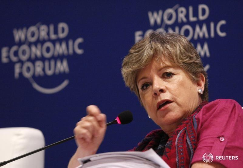 © Reuters. La secretaria general de la CEPAL, Alicia Bárcena, durante un evento del Foro Económico Mundial en Cartagena, Colombia