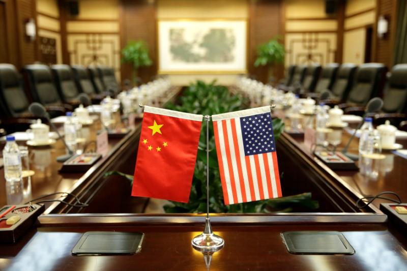 © Reuters. ترامب يكثف الضغط على الصين ويدعو لتحقيق بشأن ممارساتها التجارية