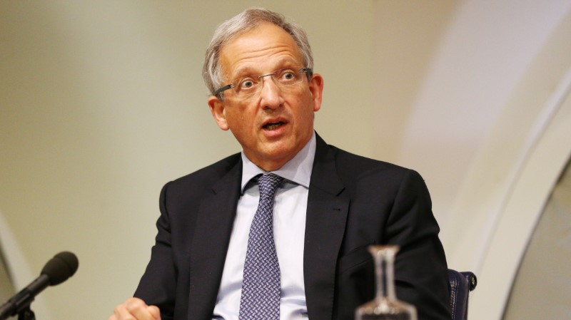 © Reuters. Britain's Deputy Governor of the Bank of England Jon Cunliffe speaks during the Bank of England's financial stability report at the Bank of England in the City of London