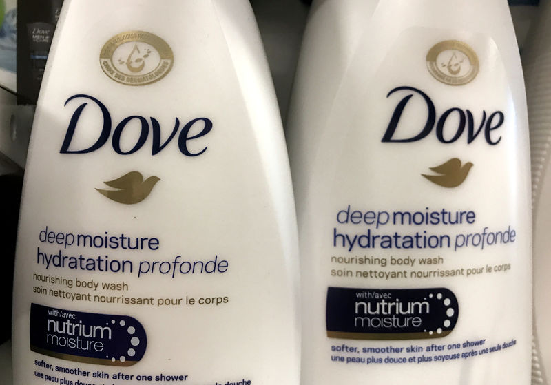 © Reuters. Two bottles of Dove's Deep Moisture body wash are displayed in Toronto