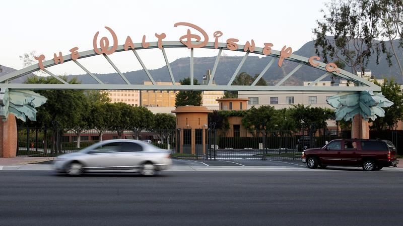 © Reuters. The signage at the main gate of The Walt Disney Co. is pictured in Burbank