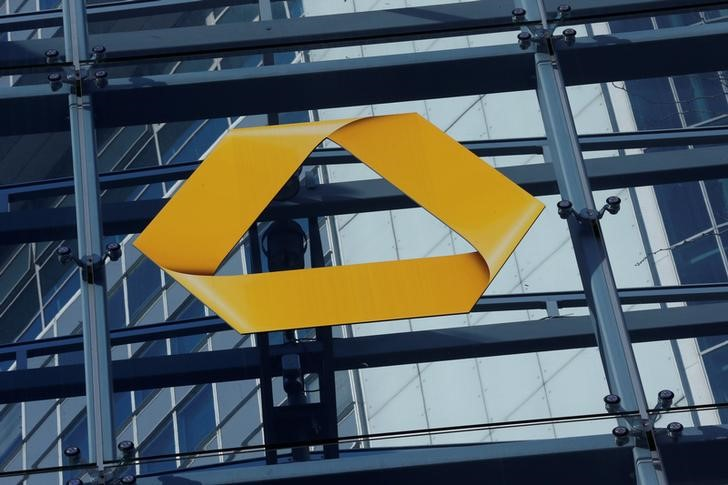 © Reuters. A Commerzbank logo is pictured after the bank's annual news conference in Frankfurt