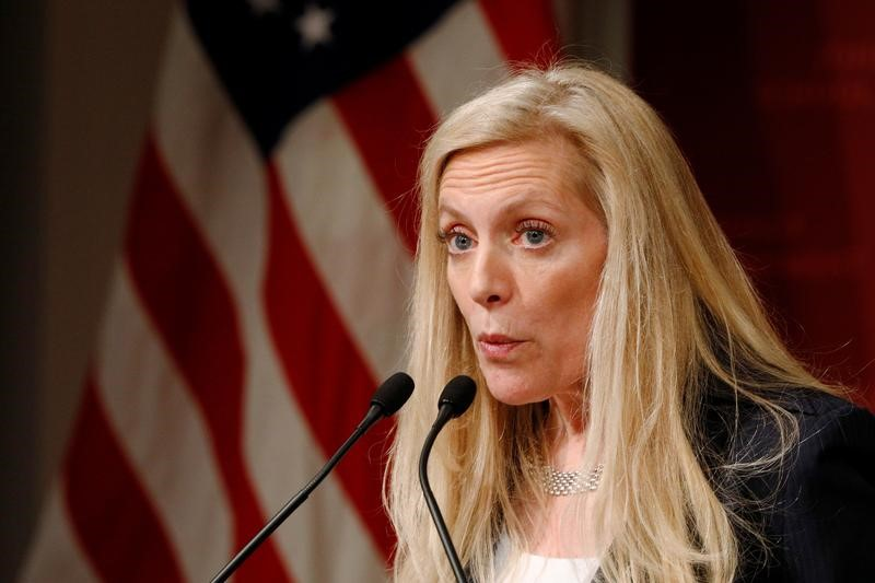 © Reuters. Federal Reserve Board Governor Lael Brainard speaks at the John F. Kennedy School of Government at Harvard University in Cambridge